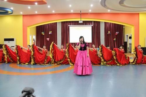 东营市海河幼儿园举行迎新年家园联欢活动